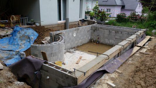 Autoconstruction piscine d bordement 7 6 x 4 sous abri for Piscine chlore trop bas