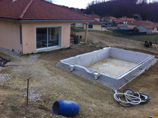 Prix piscine desjoyaux 8x4 ils tmoignent with prix for Prix piscine creuse