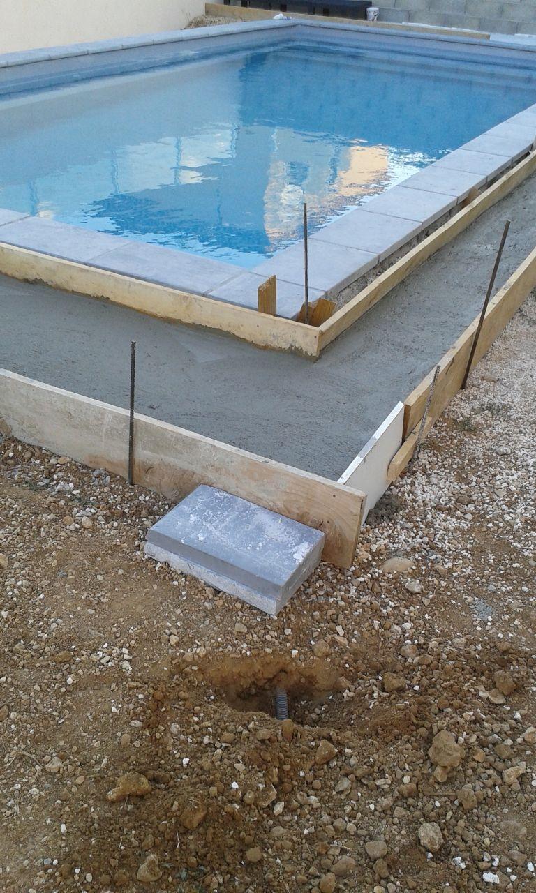Profondeur raccordements tuyaux for Local technique piscine surface de plancher