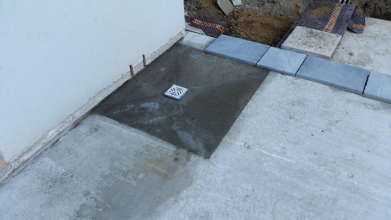 Photo chape de la douche construction pose de la for Forum construction piscine 56
