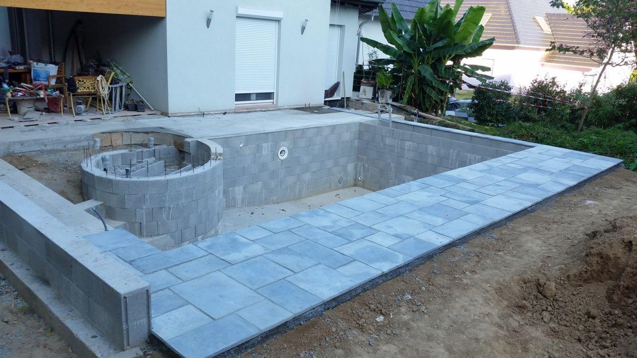 Photo joints dalles construction pose de la piscine for Piscine 67