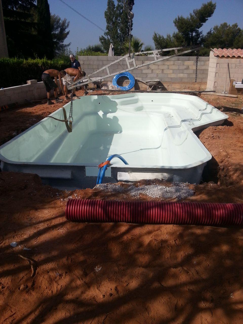 Photo pose construction pose de la piscine bouches for Construction piscine rhone