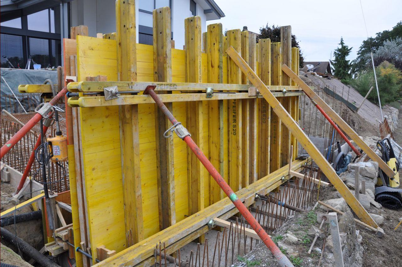 Photo coffrage du mur de d bordement construction for Forum construction piscine 56