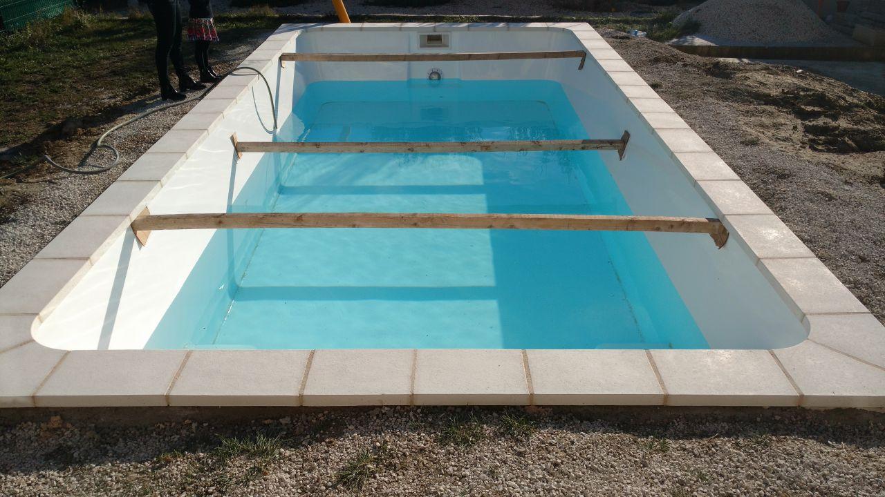 Photo ceinture feraill e margelles pos es etayage et for Ceinture beton piscine coque