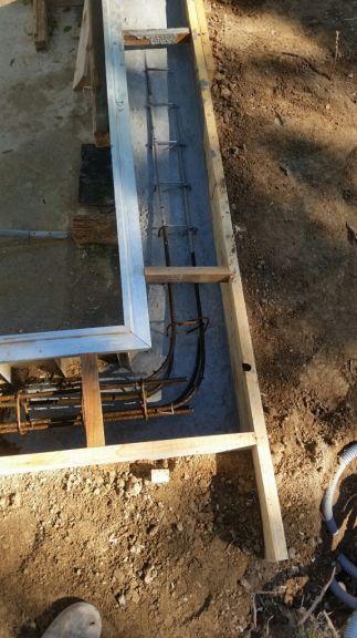 Photo coulage de la ceinture b ton construction pose for Ceinture beton piscine