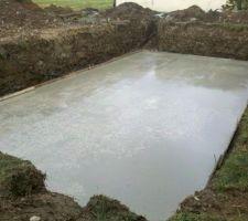Dalle piscine 15 cms d'épaisseur avec béton auto plaçant