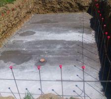 Radier coulé aprés 9 m3 de beton aprés quelque jours la couleur sera uniforme