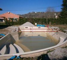 L'état de la piscine à fin mars 2014 avec    de 6 mois de retard