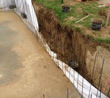 Ça n'a pas suffit pour protéger l'affaissement de la paroi aprés 3 jrs de pluie incessante ! :'(