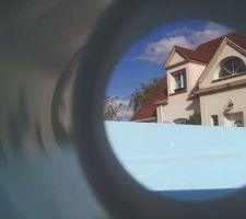 Une piscine de 9m devant ma porte, c'est un rêve mais j'espère qu'elle va trouver au plus vite sa vraie place.