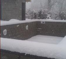 Peu d'avancée dans les travaux !! Mais vous comprendrez aisément, cet autre versant de la Haute-Savoie, qui occupe mon esprit vers le futur délicat craquèlement de cette douce neige sous mes spatules !! :-)