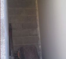 Reprise des travaux !! Ici la cloison qui sépare les toilettes du local technique.
