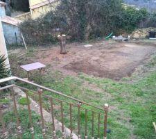Prise de cote ,emplacement de l'ancienne piscine hors sol
