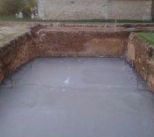 Fond de la piscine coulée