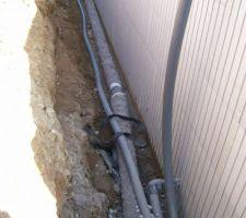 Le drainage nouveau type de drains routier protègés permettant si on le désire de mettre immédiatement de la terre.