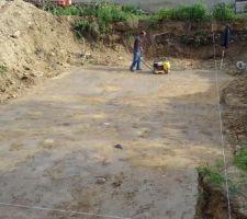 Fin de la fouille et compactage du sol