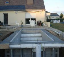 Coulage des ceintures et cheminements pour la terrasse mobile