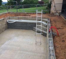 Escalier, plomberie enterrée, mur soubassement terrasse et locale piscine terminé