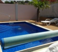 Vue d'ensemble de la piscine, Rideau ou brise vue pour notre intimitée.