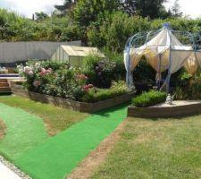 Moquette pour l'accés de la maison à la piscine, et de la piscine à la gloriette pour l'apéro!!!