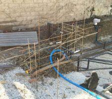 Mise en forme du mur de réhausse qui accueillera une cascade par facade