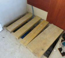 Voici le trou ou sera installé filtre a sable et pompe, dimensions 950*1500 intérieur. par 1 metre de profond