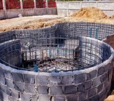 Ferraillage des 2 bassins terminés. prochaine étape: coulage du radier.