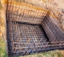 Ferraillage du réservoir de rétention des eaux sales après lavage du filtre.