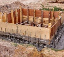 Murs du bac de rétention coulés.