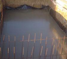 Radier coulé avec du beton autonivellant