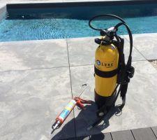 Kit réparation liner pour cause de dalles pierre (piscine bâti service) de 100 kgs ayant eu la mauvaise idée prendre un bain !
