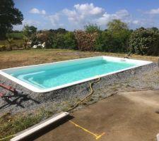 La piscine pleine