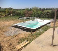 Remplissage piscine avec étais