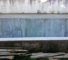 Élargissement du bord de la piscine pour pose de margelles