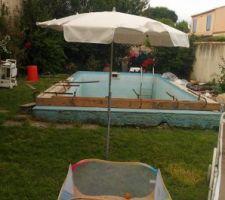 Nivellement du bord du bassin