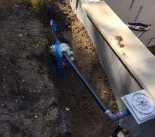 Le skimmer : j'ai posé un trop plein rejoignant un drain