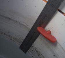 Suite soupçon de fuite on prend des repaires 13 jours plus tard le niveau est encore descendu. 8cm sur 32m2 soit 2,5m3 .