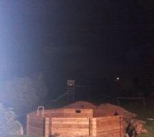 Fin du montage de la structure ... de nuit ! ... motivé !