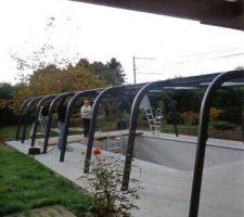 Vue des arceaux de soutien des panneaux de toit et en meme temps glissieres pour les panneaux latéraux