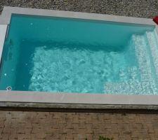 Piscine en eau prêt a la baignade