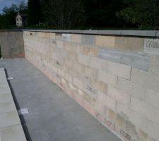 Mur sur lequel va reposer l'abri...