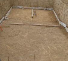 On prépare le terrain pour la mise en place du radier.