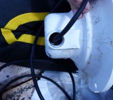 Projecteurs - sortie cable RGB par le presse etoupe de la coque