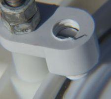 Detail fixation led avec la vis qui tient l'amppoule