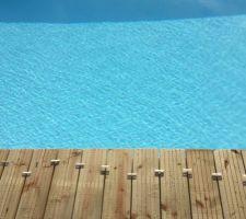 La suite de la construction de la terrasse autour de la piscine, le rendu commence à être sympa !