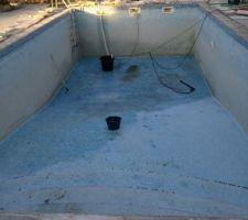 Le nettoyage de la vase est terminé.  Demain acide, nettoyage, vidange, chloration, nettoaye, vidange