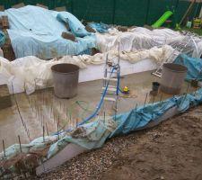 Nettoyage de la dalle: Retirer la terre Vidé l'eau Rinçage de la dalle