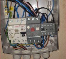 Je cherche a brancher un regulateur pH ET un regulateur de chlore ,où puis les brancher electriquement.  Merci