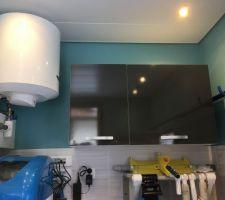 Local technique, chauffe-eau sanitaires, placard de rangements, plafond bacs à tôles entièrement isolé. Hors-gel pour l'hiver
