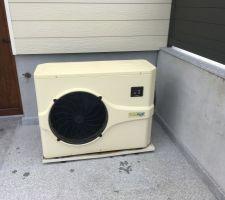 Pompe à chaleur avec bac de rétention des condensats